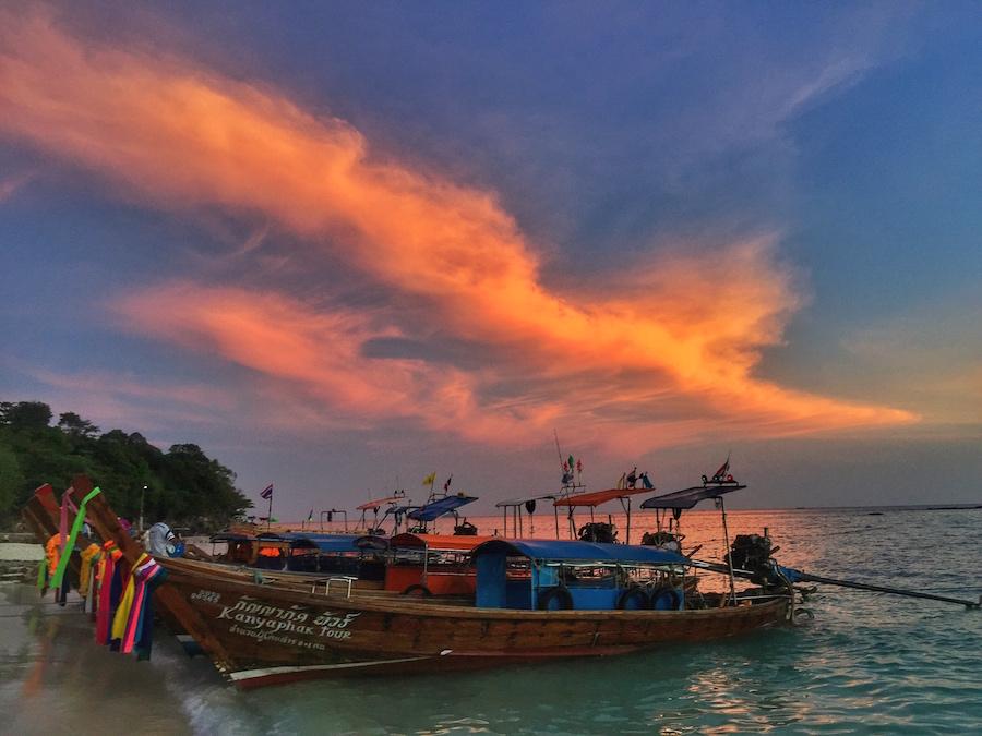 Phi Phi a lodní taxíky